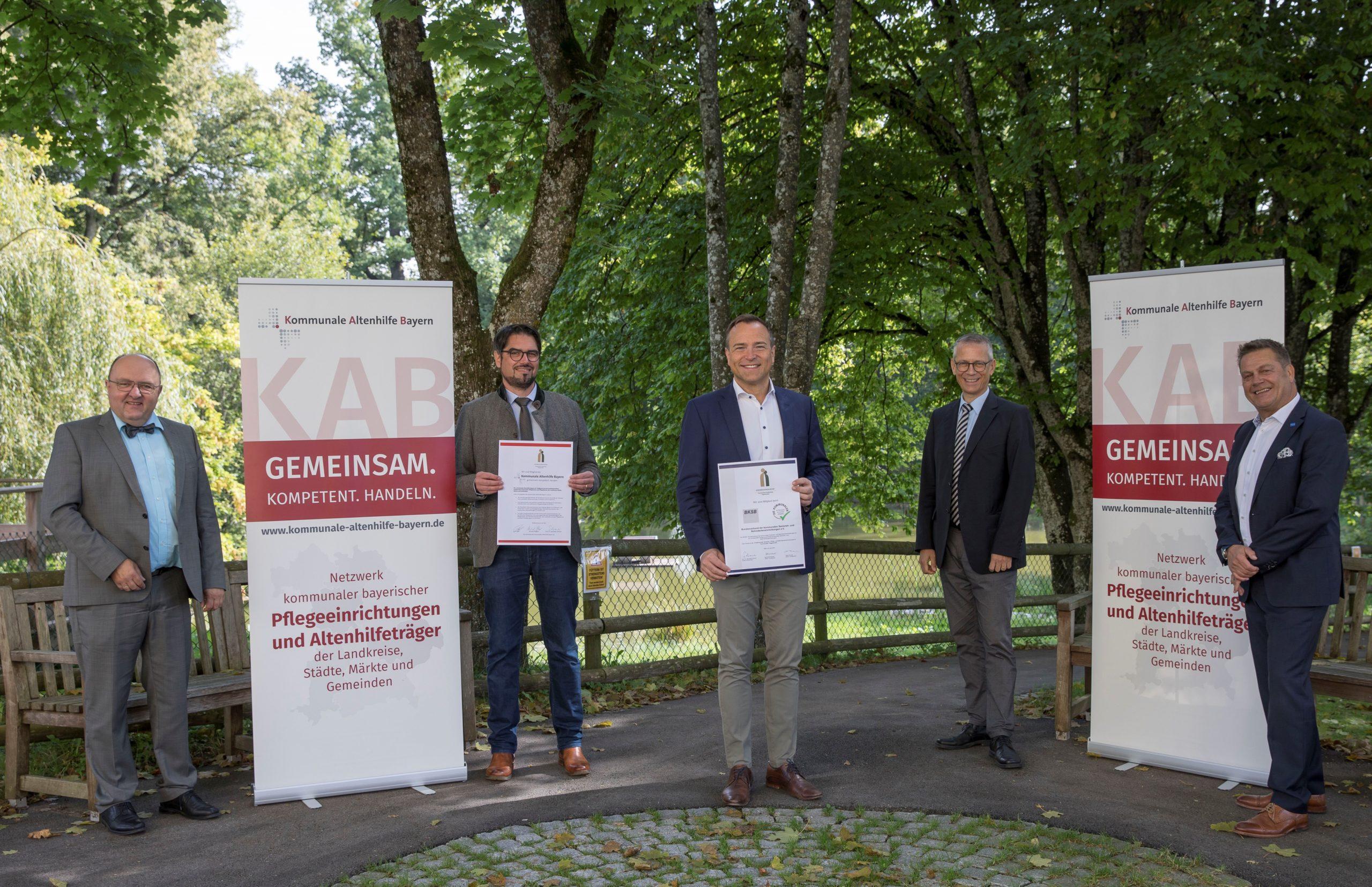 Die Kreisseniorenheime Vilgertshofen und Greifenberg sind nun Mitglied in der Kommunalen Altenhilfe Bayern